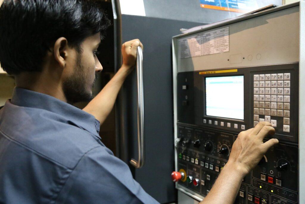 Orders machinebouwers dalen sterk door corna