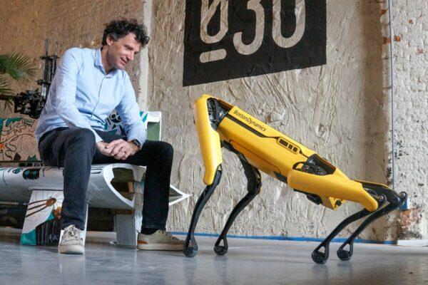 Hoe kan een robothond de maakindustrie vooruit helpen?