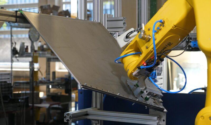 Industriële robots te complex, implementatie valt tegen