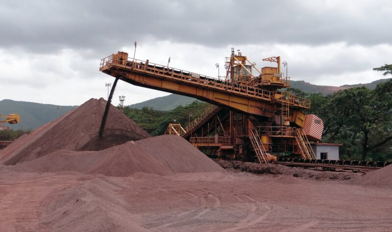 Afzetprijzen industrie blijven stijgen